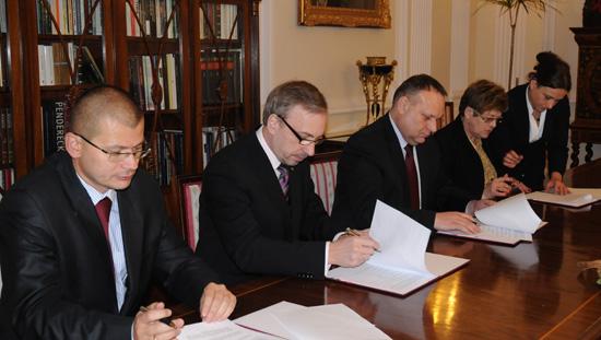 Podpisanie porozumienia na rzecz rozwoju Biblioteki Centralnej Polskiego Związku Niewidomych