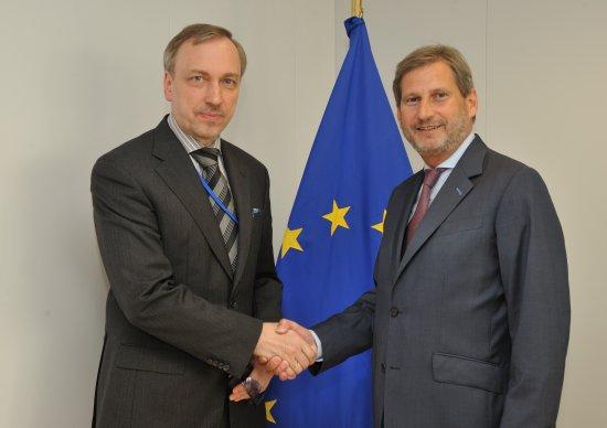 zdjęcie ze spotkania z Komisarzem ds. polityki regionalnej Johannesem Hahnem