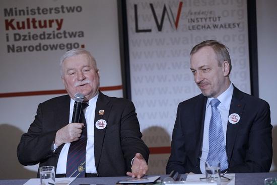 """Lech Wałęsa oraz Minister Kultury i Dziedzictwa Narodowego podczas premiery spotu """"Gen Wolności""""  Foto: Danuta Matloch"""
