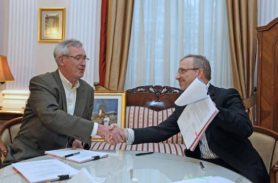 Umowa o dofinansowanie kolejnego etapu prac konserwatorskich elewacji Teatru Wielkiego – Opery Narodowej