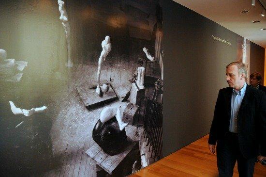Bogdan Zdrojewski odwiedził wystawę prac Aliny Szapocznikow w Museum of Modern Art