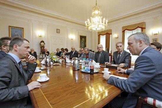 Minister Bogdan Zdrojewski rozmawiał z dyrektorami wojewódzkich bibliotek publicznych