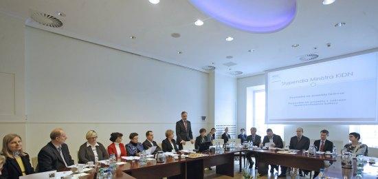 Inauguracyjne posiedzenie Komisji opiniującej wnioski o przyznanie stypendiów twórczych i stypendiów na przedsięwzięcia związane z upowszechnianiem kultury