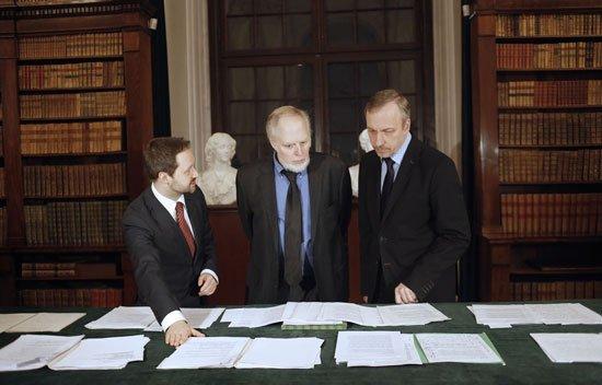 Minister Zdrojewski i Dyrektor Biblioteki Narodowej Tomasz Makowski oraz Antoni Miłosz. Fot.: Danuta Matloch