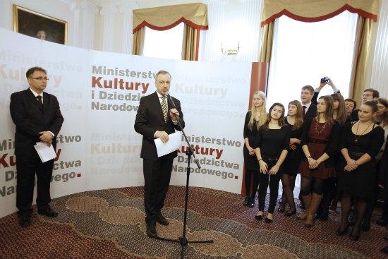 """Wręczenie stypendiów """"Młoda Polska"""""""