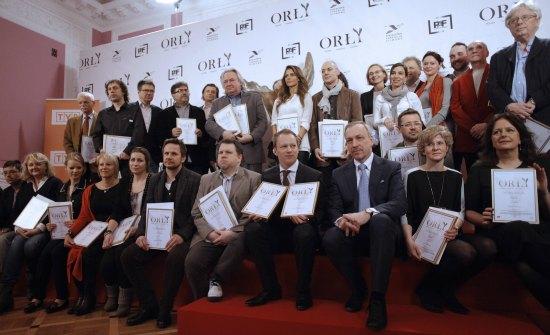 Minister Bogdan Zdrojewski z artystami nominowanymi do Polskich Nagród Filmowych Orły 2013. fot. Danuta Matloch