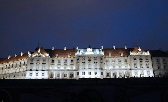 Nowa elewacja Zamku Królewskiego w Warszawie