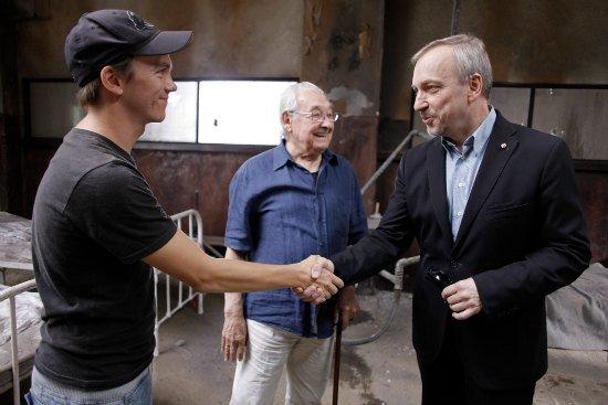 """Minister Bogdan Zdrojewski na planie filmu """"Miasto 44"""". fot. Danuta Matloch"""
