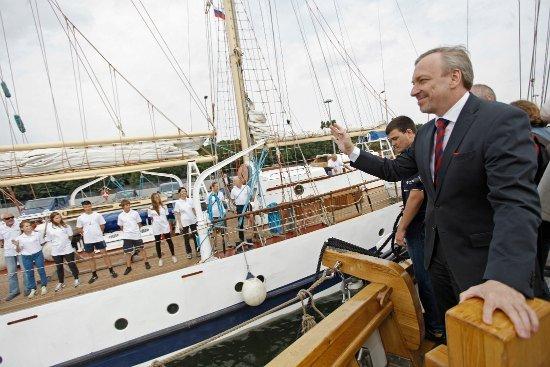 Spotkanie z uczestnikami rejsu na pokładzie Pogorii w porcie Westerplatte. fot. Danuta Matloch