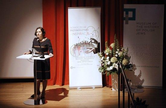 Otwarcie konferencji Nowoczesne przywództwo – inspiracje, Monika Smoleń. fot.: Danuta Matloch