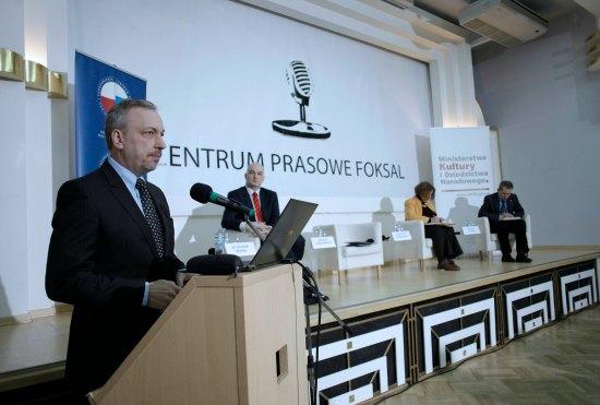Minister Bogdan Zdrojewski podczas konferencji fot. Danuta Matloch/MKiDN