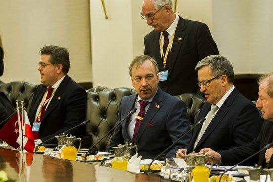 Prezydent RP Bronisław Komorowski,  minister Bogdan Zdrojewski oraz polska delegacja w Turcji fot. Wojciech Olkuśnik/Kancelaria Prezydenta