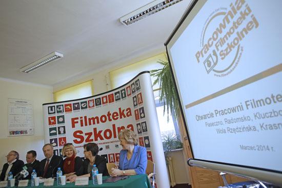 Uroczyste otwarcie pierwszej Pracowni Filmoteki Szkolnej. Fot: Danuta Matloch