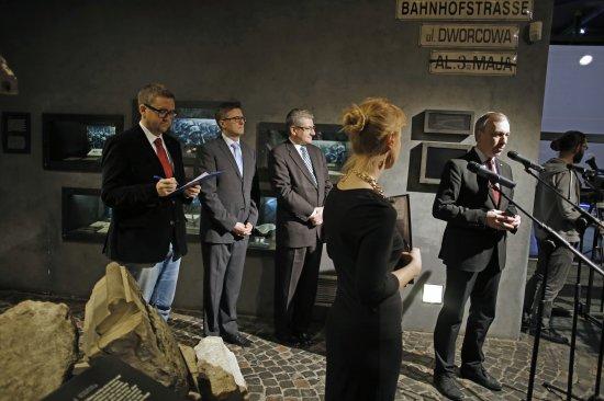 Prezentacja karabinu w Muzeum Powstania Warszawskiego. fot. Danuta Matloch