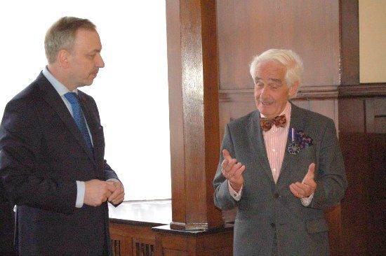 Uhonorowanie prof. Petera Raue Medalem Zasłużony Kulturze - Gloria Artis