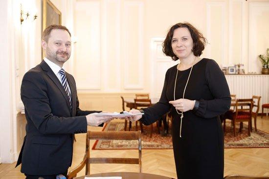 Podpisanie umowy na Projekt Konserwacja i Rewitalizacja Pałacu Krasińskich. fot. Danuta Matloch