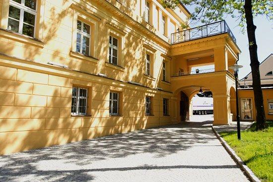 Zrewitalizowana siedziba zespołu Zespół Pieśni i Tańca Śląsk