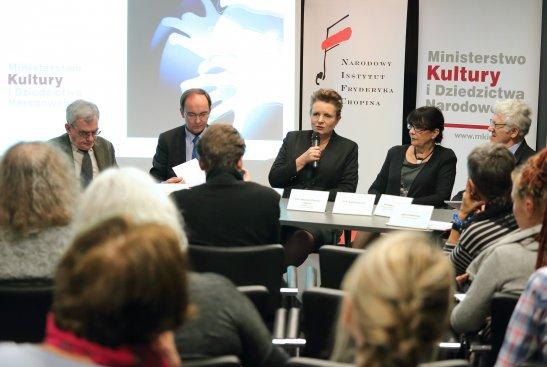 Konferencja prasowa z udziałem Minister Kultury i Dziedzictwa Narodowego prof. Małgorzaty Omilanowskiej,  na której przedstawiono szczegóły dotyczące konkursu. Fot.: Danuta Matloch