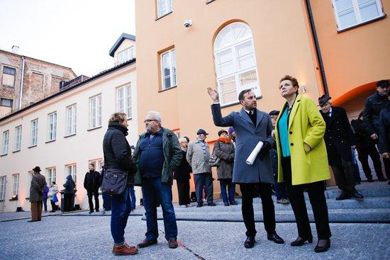 Minister Kultury i Dziedzictwa Narodowego prof. Małgorzata Omilanowska zwiedziła siedzibę Muzeum Warszawskiej Pragi. Fot.: Danuta Matloch
