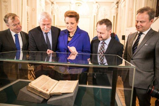 Średniowieczny rękopis wrócił do Polski dzięki staraniom MKiDN. fot. Danuta Matloch