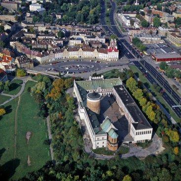 Lublin. Zamek z kaplicą św. Trójcy na pierwszym planie Fot. P. Maciuk