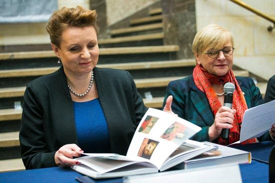 Konferencja prasowa przed wernisażem wystawy w Muzeum Narodowym w Warszawie z udziałem minister kultury Małgorzaty Omilanowskiej. fot. Danuta Matloch