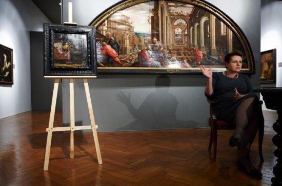 Minister Małgorzata Omilanowska podczas prezentacji obrazu Philippa Sauerlanda