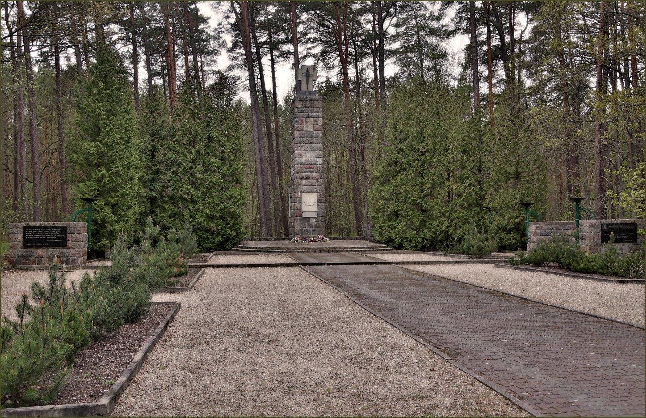 Na zdjęciu: Pomnik Ofiar Piaśnicy. Fot. Marek Jasiński