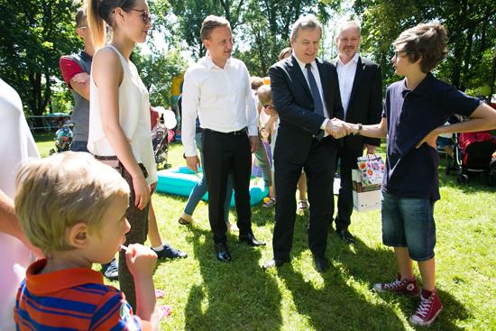 Na zdjęciu: Rodzinny piknik  dla najmłodszych i ich opiekunów w ogrodach Kancelarii Premiera. autor zdjęcia: Danuta Matloch