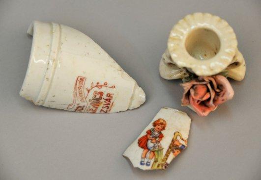 Na zdjęciu: Odnalezione przedmioty należące do ofiar niemieckiego nazistowskiego obozu koncentracyjnego i zagłady Auschwitz-Birkenau. autor zdjęcia: P. Sawicki