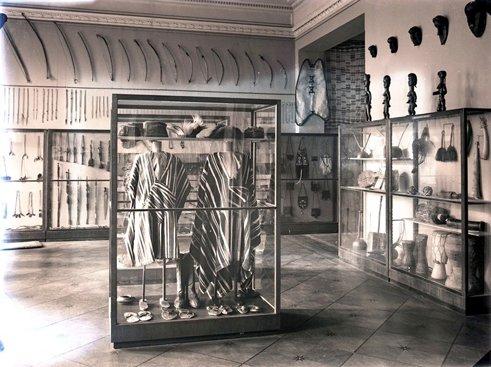 Na zdjęciu: Przedwojenne fotografie ekspozycji Muzuem Etnograficznego w Łodzi.