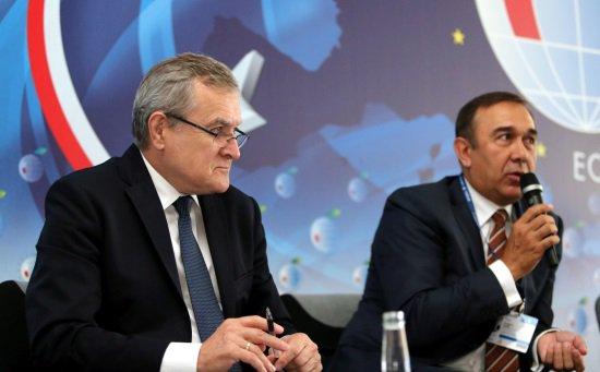 Na zdjęciu: Wicepremier Piotr Gliński na Forum Ekonomicznym w Krynicy. Autor zdjęcia: PAP/Grzegorz Momot