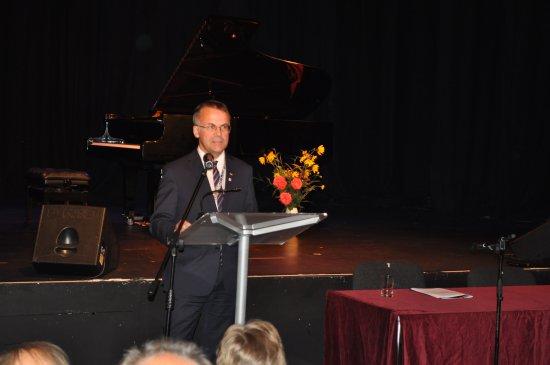 Na zdjęciu: Minister Sellin przemawia na uroczyste otwarciu 38 Sesji Stałej Konferencji Muzeów, Archiwów i Bibliotek na Zachodzie. autor zdjęcia: Justyna Węglarz