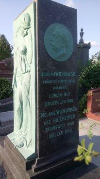 Na zdjęciu: Grobowiec Józefa Wieniawskiego