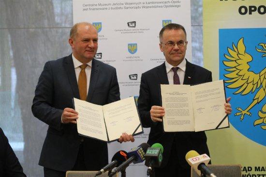 Na zdjęciu: Wiceminister Jarosław Sellin i marszałek województwa opolskiego