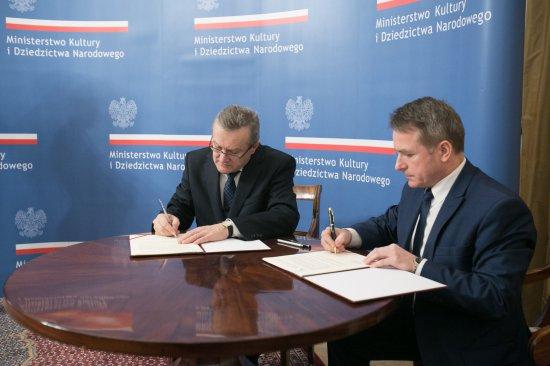 Na zdjęciu:minister kultury Piotr Gliński oraz burmistrz Ostrowi Jerzy Bauer