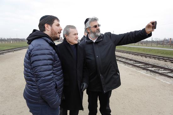 na zdjęciu: Minister Piotr Gliński odwiedził Miejsce Pamięci i Muzeum Auschwitz-Birkenau. autor zdjęcia: Danuta Matloch