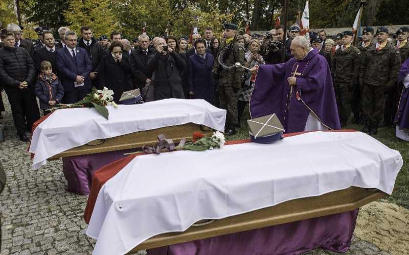 Na zdjęciu: Uroczystości pogrzebowe polskich bohaterów w Radecznicy. autor zdjęcia: Wojciech Jargiło /PAP