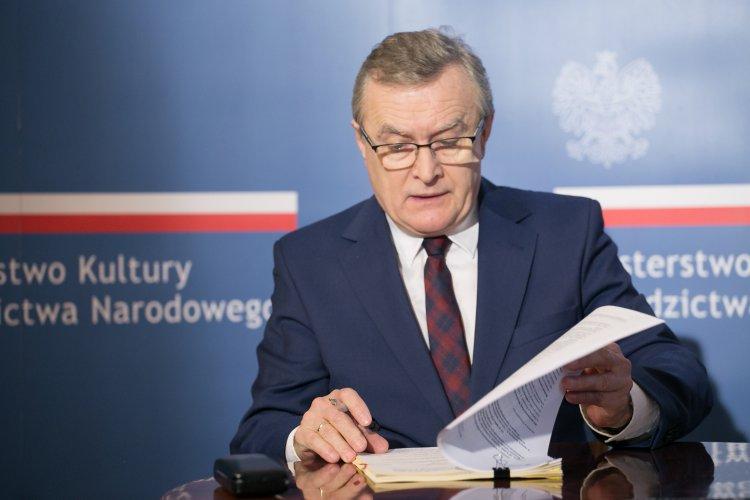 Uroczyste podpisanie 8 umów na dofinansowania w ramach Programu Operacyjnego Infrastruktura i Środowisko 2014-2020. zdjęcie Danuty Matloch