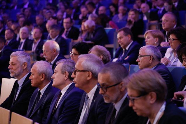 Wicepremier Piotr Gliński na Ogólnopolskim  Szczycie Gospodarczym. autor zdjęcia Danuta Matloch