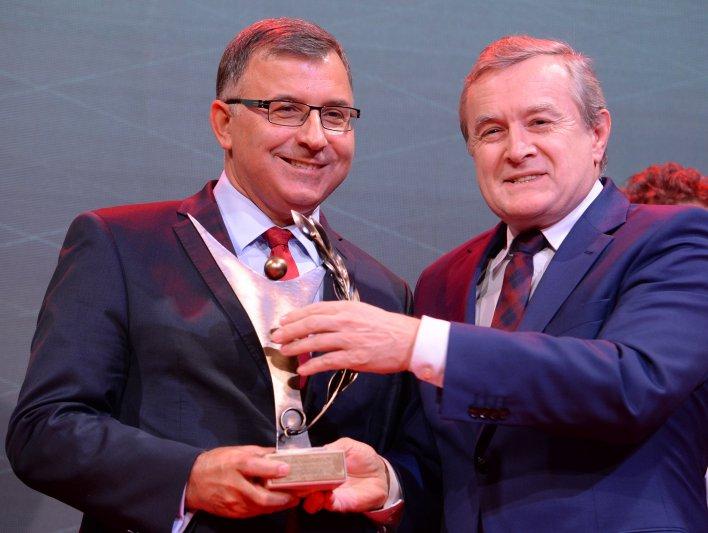 Minister Piotr Gliński na gali Laury Biznesu.  autor zdjęcia: Jacek Turczyk/PAP