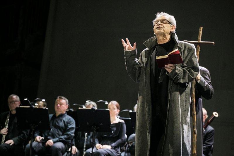 Dziady - Widma,  pierwsza premiera sceniczna w wykonaniu Polskiej Opery Królewskiej z udziałem wicepremiera Piotra Glińskiego. autor zdjęcia: Danuta Matloch