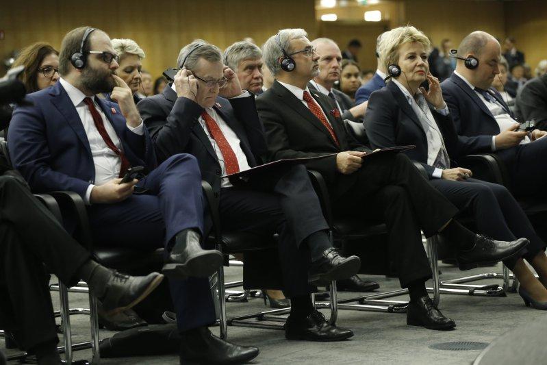 Głosowanie delegatów Biura Światowych Wystaw. autor zdjęcia: Danuta Matloch