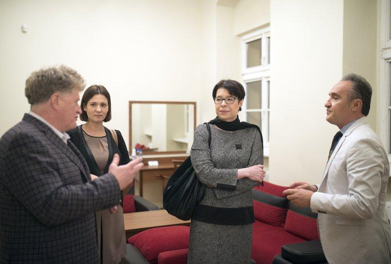 Na zdjęciu: Wiceminister Wanda Zwinogrodzka w siedzibę Zespołu Pieśni i Tańca Śląsk