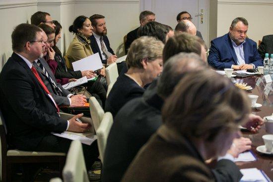 Na zdjęciu: uczestnicy międzyresortowego zespołu ds. organizacji 41. sesji Komitetu Światowego Dziedzictwa w Polsce