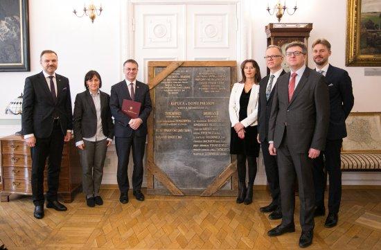 Na zdjęciu: Tablica pamiątkowa z dawnego Domu Polskiego w Wiedniu