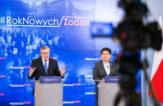 Na zdjęciu: Premier Beata Szydło i wicepremier Piotr Gliński