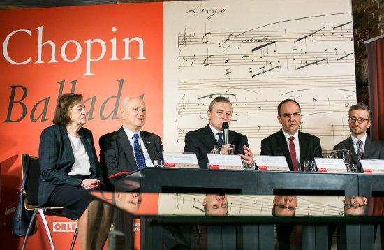 Na zdjęciu: uroczystośc przekazania rękopisu Fryderyka Chopina