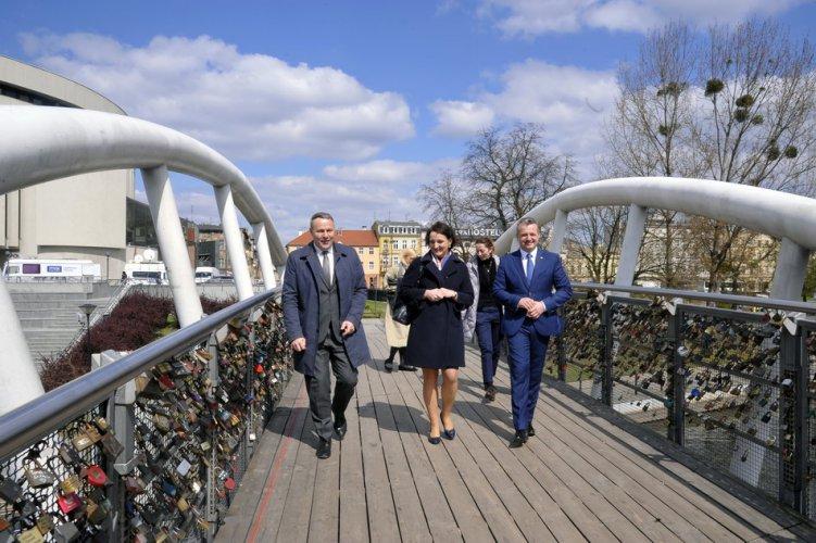 Na zdjęciu: Wiceminister Magdalena Gawin w Bydgoszczy
