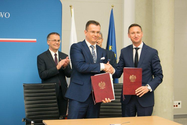 Na zdjęciu: uroczystości podpisania Aneksów do Kontraktów Terytorialnych